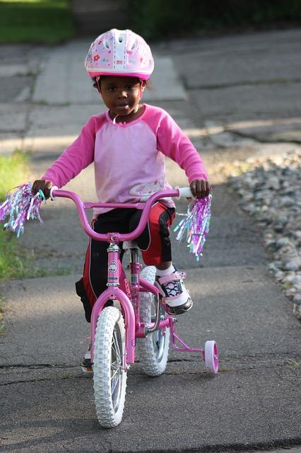 child-biking-1005379_640.jpg